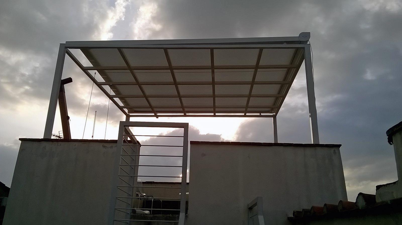 Tenda da sole per pergolato in alluminio